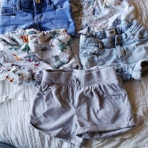 5 pairs of 3T Old Navy shorts